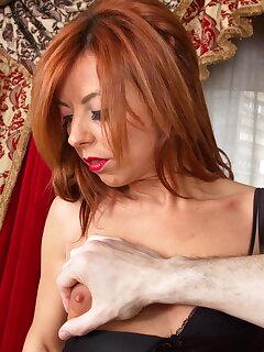 Redhead MILF Porn Pics