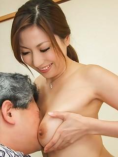Japanese MILF Porn Pics